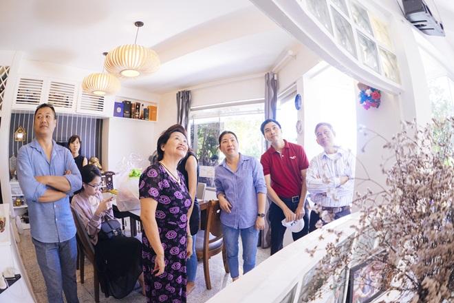 Tiết lộ cuộc sống đẹp như mơ của nhạc sĩ Trần Tiến và vợ sau 8 năm ở Vũng Tàu  - Ảnh 2.
