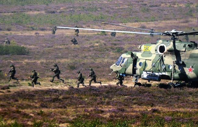 Quân Mỹ âm thầm áp sát biên giới, Nga tuyên bố cứng rắn - ảnh 1
