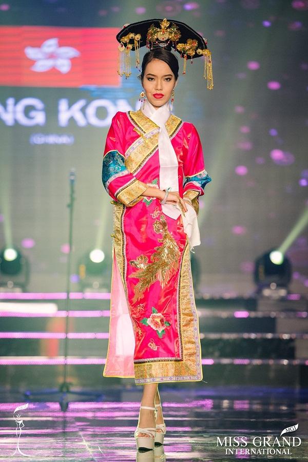 Xuất hiện Lan Khuê phiên bản lỗi tại Miss Grand International 2017 - Ảnh 2.