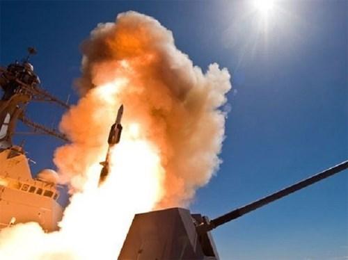 Mỹ phóng thử thành công tên lửa đánh chặn SM-6 - Ảnh 2.
