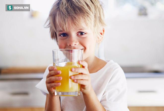 Báo động: Rất nhiều trẻ em đang uống không đủ nước so với tiêu chuẩn - Ảnh 2.
