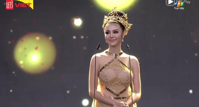[TRỰC TIẾP] Chung kết Hoa hậu Hòa bình Quốc tế 2017 tại VN: Sốc khi Á hậu Huyền My bất ngờ trượt khỏi Top 5 - Ảnh 7.