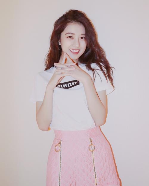 18 tuổi, nữ sinh Singapore nổi tiếng khắp châu Á với danh xưng 'Hot girl quả táo'  - Ảnh 1.