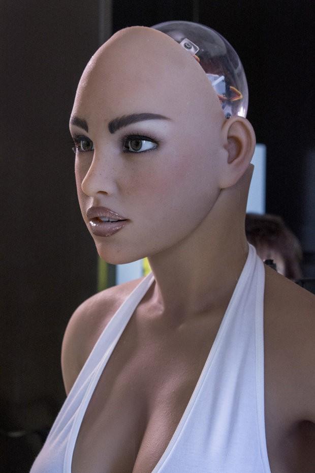 """Robot tình dục chính thức tạo thành """"cơn địa chấn"""" - chỉ 1 tháng nữa thôi! - Ảnh 1."""