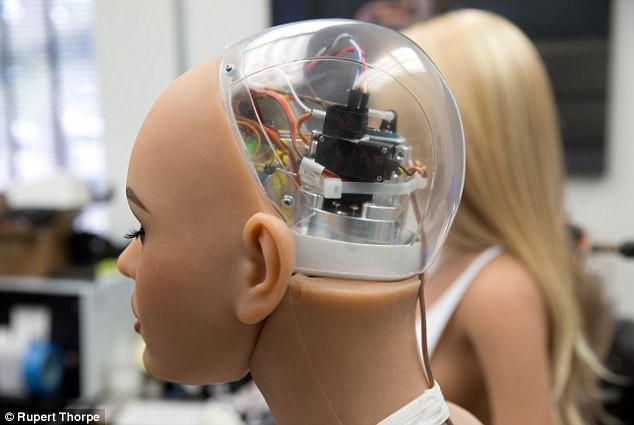 """Robot tình dục chính thức tạo thành """"cơn địa chấn"""" - chỉ 1 tháng nữa thôi! - Ảnh 4."""