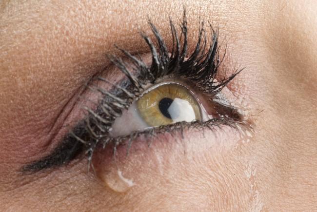 Có thể bị mù vĩnh viễn nếu mắt có dấu hiệu này mà mặc kệ không đi khám - Ảnh 7.