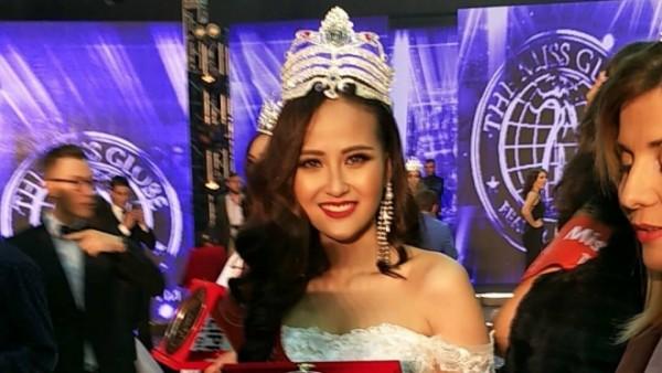 HOT: Khánh Ngân đăng quang Hoa hậu Hoàn cầu 2017 - Ảnh 1.