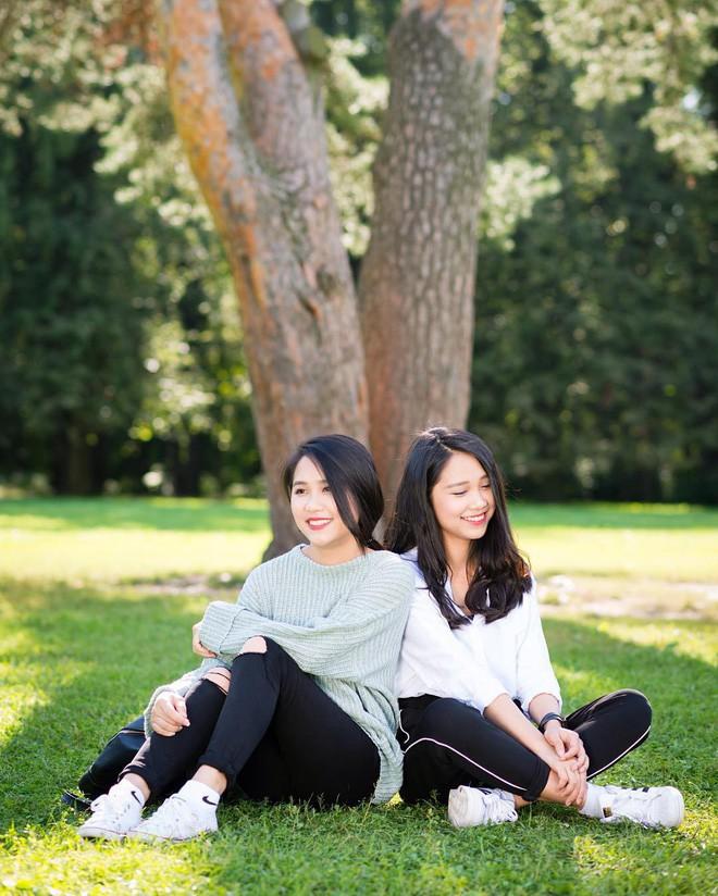Lại thêm một cặp chị em song sinh 9x siêu dễ thương đến từ Nghệ An - Ảnh 2.
