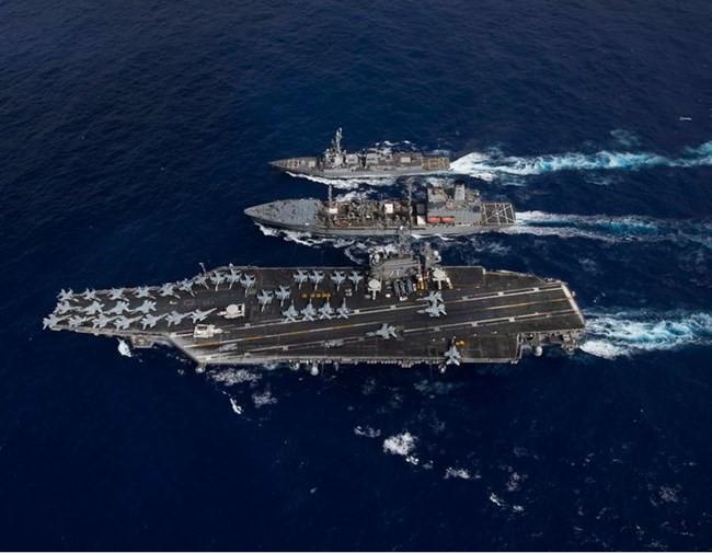 """3 cụm tàu sân bay """"tạo thế"""" cho Tổng thống Mỹ thăm châu Á - Ảnh 1."""