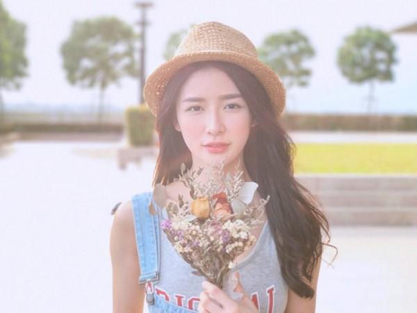 Malaysia cũng có một nàng hot girl xinh không kém gì Thái Lan hay Hàn Quốc đâu nhé! - Ảnh 1.