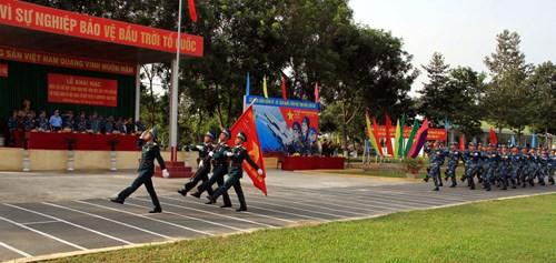 Diễn tập các đơn vị tên lửa S-300PMU1 - Ảnh 2.