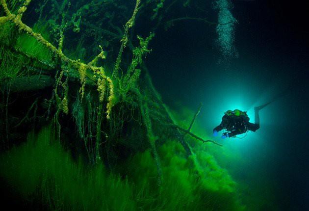 Bí ẩn đáng sợ nhất thế giới về hồ không có đáy khiến nhà khoa học run lẩy bẩy nghiên cứu - ảnh 1