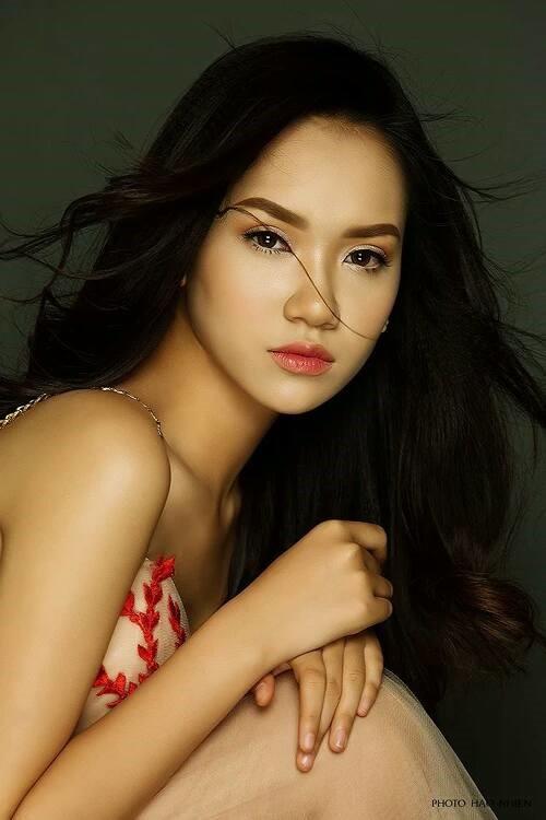 Nhan sắc xinh đẹp của nữ sinh Việt tham gia cuộc thi Hoa khôi các trường Đại Học Thế giới - Ảnh 1.