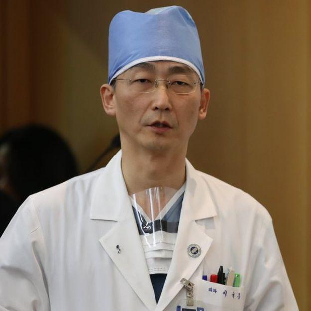 Vụ phát hiện ổ giun trong bụng binh sĩ Triều Tiên đào tẩu cho thấy điều gì? - Ảnh 1.