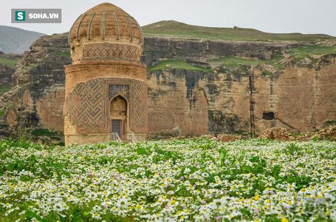Đừng tưởng bạn đã biết: Cách người Thổ Nhĩ Kỳ di chuyển lăng mộ nặng 1100 tấn - Ảnh 1.