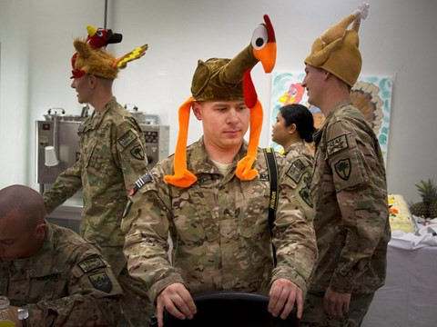 Lính Mỹ làm lễ Tạ Ơn ở vùng chiến như thế nào? - Ảnh 4.