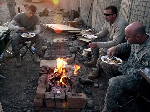 Lính Mỹ làm lễ Tạ Ơn ở vùng chiến như thế nào? - Ảnh 6.