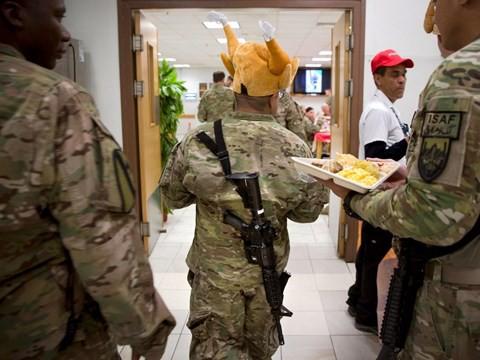 Lính Mỹ làm lễ Tạ Ơn ở vùng chiến như thế nào? - Ảnh 10.