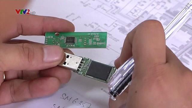 USB không bị virus của quân đội Việt Nam đã được thương mại hóa, bản 8GB giá 880 ngàn đồng - Ảnh 1.