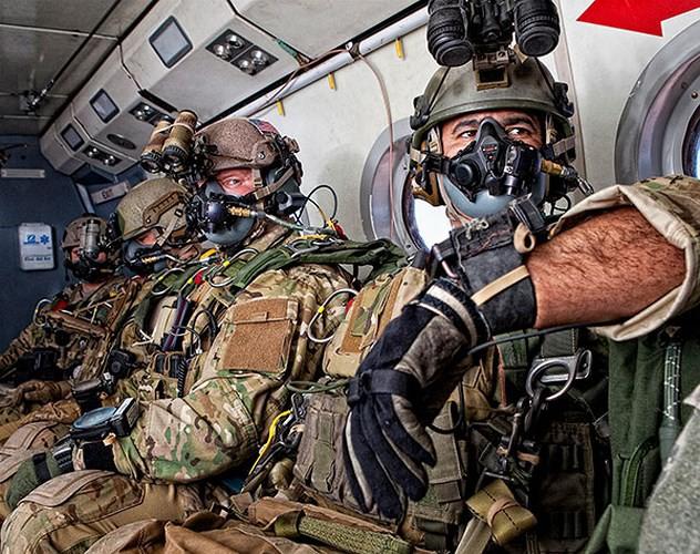 Ảnh: Đặc nhiệm Mỹ thực hành tác chiến cùng các loại vũ khí hiện đại - Ảnh 2.