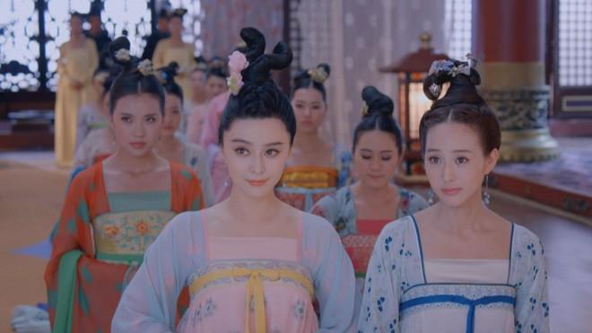Giữa hàng ngàn mỹ nữ trong tam cung lục viện, Hoàng đế chọn người để ân ái bằng cách nào? - Ảnh 2.