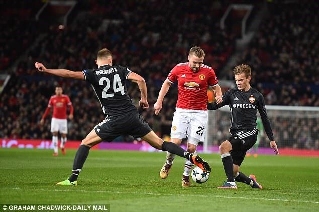 Cuối cùng, Mourinho đã giữ lời hứa và quân tử với Luke Shaw - Ảnh 1.