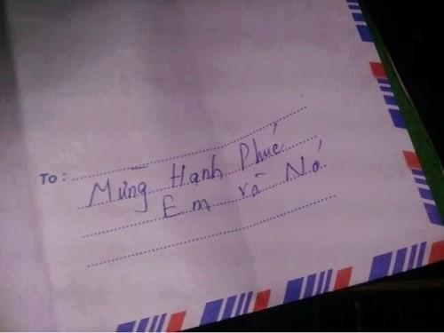 Bó tay với những kiểu ghi phong bì mừng cưới phong cách siêu lầy lội - Ảnh 2.