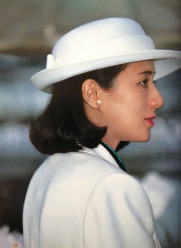 Nàng Thái tử phi u uất Diana của phương Đông: Trầm cảm vì lồng son Hoàng gia, bị thần dân ngờ vực - Ảnh 3.