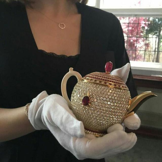 Bạn có sẵn sàng bỏ ra 3 triệu USD để sở hữu chiếc ấm pha trà đắt nhất thế giới này không? - Ảnh 1.