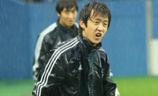 7 cầu thủ bóng đá từng tự tử vì trầm cảm - Ảnh 1.