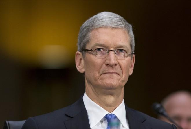 Thừa nhận làm giảm hiệu năng iPhone cũ, Apple giống như bị bắt quả tang khi đang làm điều mờ ám, khiến người dùng tức giận và mất niềm tin - Ảnh 1.