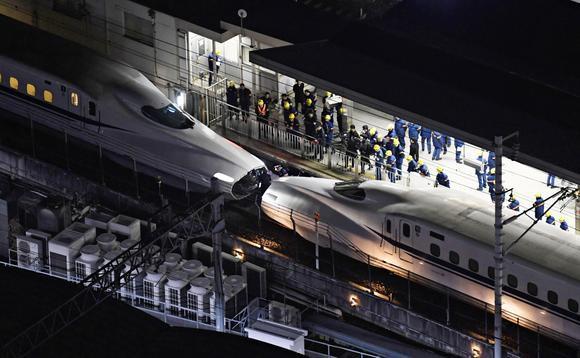 Chỉ còn 3 centimet nữa là con tàu siêu tốc này trật đường ray, gây ra thảm họa tàu điện thảm khốc nhất lịch sử Nhật Bản - Ảnh 1.