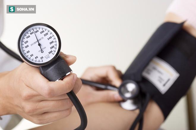 Ranh giới sinh tử của người bị huyết áp chính là ăn uống, lối sống: Đây là phao cứu sinh - Ảnh 2.