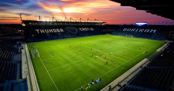 Buriram nhận 800 tỷ đồng để đổi tên sân nhà thành Chang Arena - Ảnh 1.