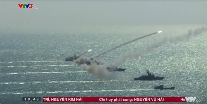 Đằng sau vệt khói tên lửa từ tàu ngầm Kilo Việt Nam: Lời tuyên cáo hùng hồn trên Biển Đông - Ảnh 1.