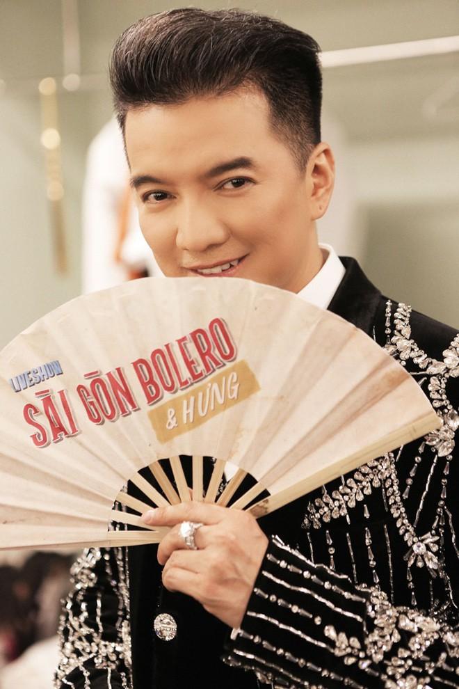 Làng nhạc Việt 2017: Bolero trỗi dậy và cuộc tranh cãi bất tận về ca sĩ hát hay - hát dở - Ảnh 2.