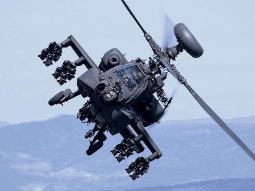 Trực thăng AH-64 có kết cấu thân mạnh mẽ, tập trung vào khả năng chống thiệt hại trong tác chiến.