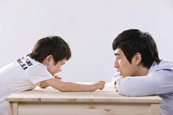 Chỉ với 3 bát mì, ông bố đã dạy con bài học làm người sâu sắc - Ảnh 2.