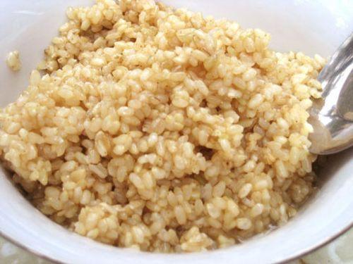 Những cách chế biến gạo nếp thành thuốc chữa bệnh - Ảnh 1.