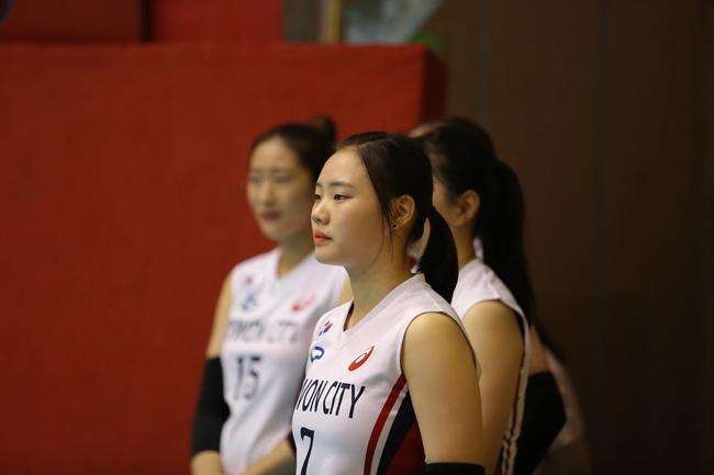 Dàn chân dài Hàn Quốc hút hồn fan ở bóng chuyền VTV Cup - Ảnh 11.