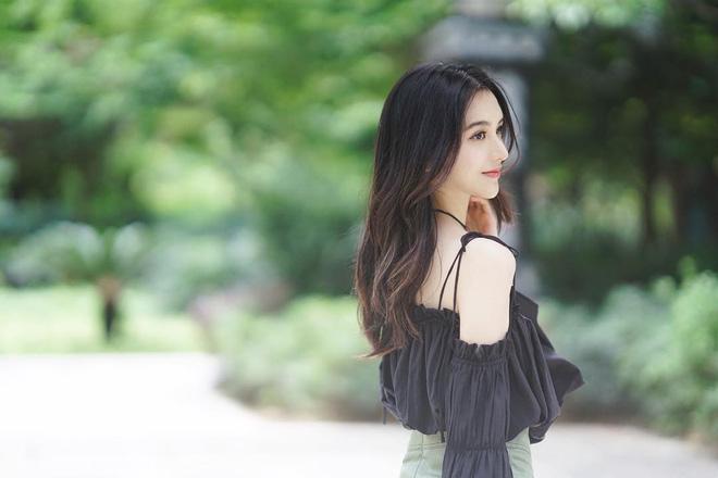 Cô bạn Đài Loan gây bão vì góc nghiêng thần thánh đẹp đến nao lòng - Ảnh 11.