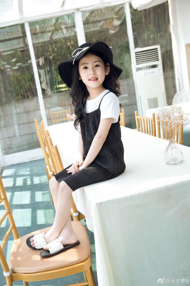 Tiểu tiên nữ có vẻ đẹp giống hệt Trương Bá Chi được dự đoán sẽ trở thành hot girl tương lai - Ảnh 11.