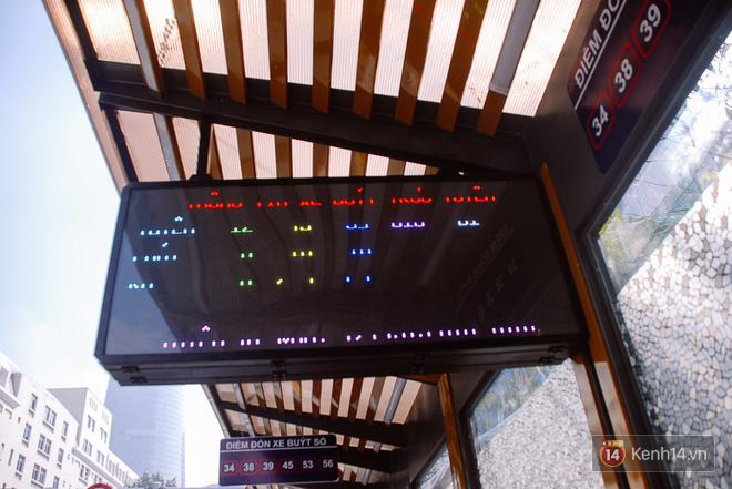 """Cận cảnh trạm xe buýt 8,5 tỷ đồng, """"sang chảnh"""" nhất trung tâm Sài Gòn và có nhà vệ sinh thông minh - Ảnh 11."""