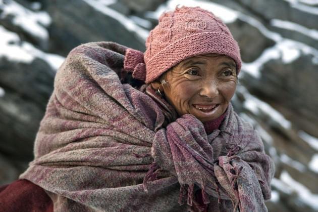 Cuộc sinh nở gian nan của những phụ nữ phải đi bộ suốt 9 ngày trời, trong giá buốt -35 độ mới đến được trạm xá - Ảnh 11.