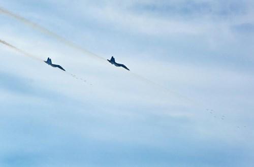 Sư đoàn Không quân 370 thực hành diễn tập bắn đạn thật - Ảnh 12.