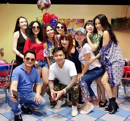Giữa tin đồn chia tay, Dương Mỹ Linh vắng mặt trong sinh nhật con trai út Bằng Kiều  - Ảnh 4.