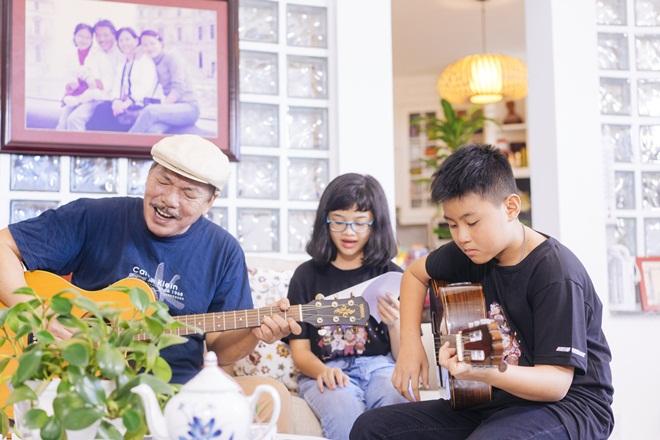 Tiết lộ cuộc sống đẹp như mơ của nhạc sĩ Trần Tiến và vợ sau 8 năm ở Vũng Tàu  - Ảnh 12.