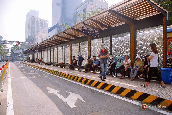 """Cận cảnh trạm xe buýt 8,5 tỷ đồng, """"sang chảnh"""" nhất trung tâm Sài Gòn và có nhà vệ sinh thông minh - Ảnh 12."""