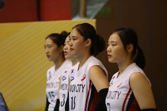 Dàn chân dài Hàn Quốc hút hồn fan ở bóng chuyền VTV Cup - Ảnh 13.