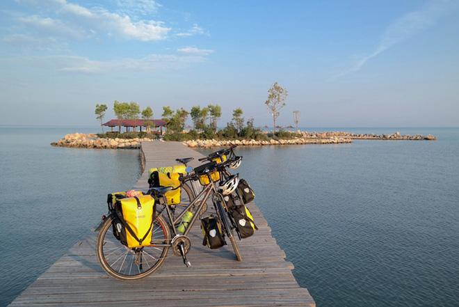 Cặp vợ chồng rong ruổi 11,000km trên xe đạp từ Hungary về Việt Nam: Hành trình trải nghiệm lòng tốt con người - Ảnh 13.